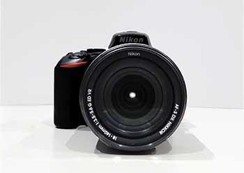 Primo piano di una fotocamera